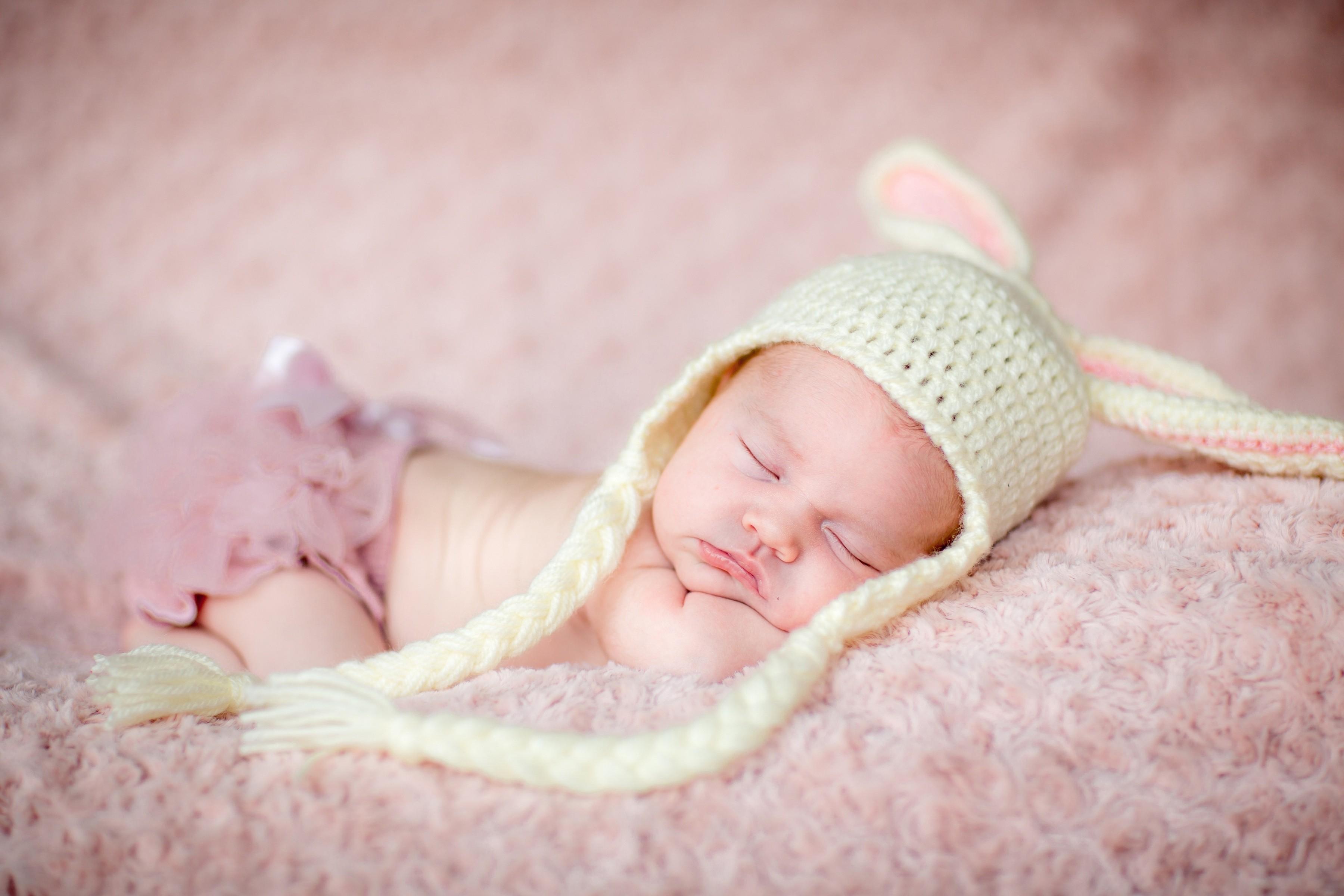 Когда новорожденный видит цвета