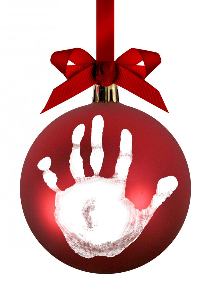 PEARHEAD подарок на ленточке шар на елку, красный