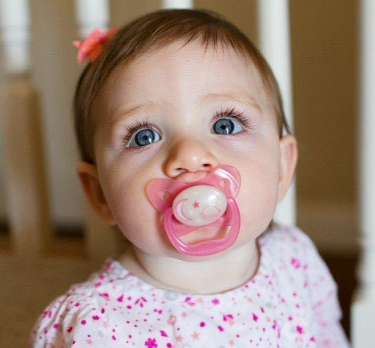 Пустышка PreVent НОЧНАЯ,  6 - 12 месяцев, розовая (Dr.BROWNS)
