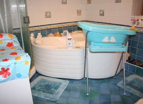 Чем мыть детскую ванночку