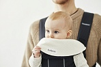 BabyBjorn Mini Miracle Original нагрудник к рюкзакам New version белый